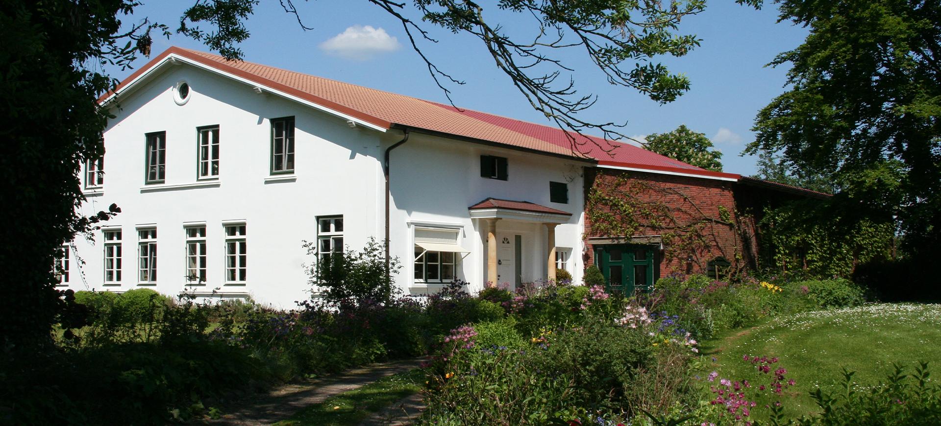 Der Hof 1